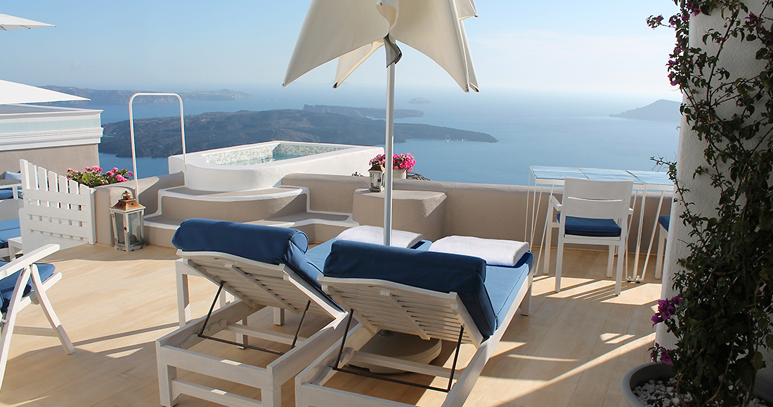 santorini luxury suite